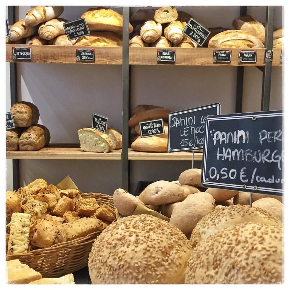 pane farina nel sacco