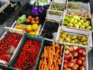 Cassette di frutta pronte per la spedizione