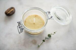 candela in un barattolo